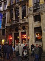 Les Brasseurs/De Brouwers - very enjoyable brewpub right on the Grand Place.